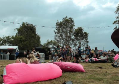 MMVAF: Inflatable pink lips couches