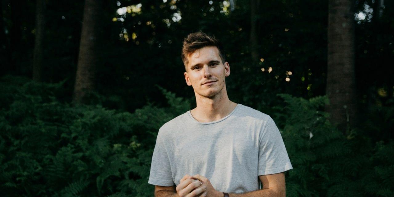 Premiere: Eli Dooner Explores Life's Pathways On Debut EP 'Masonry'
